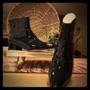 Splendid Black Patent Leather Ankle Boots
